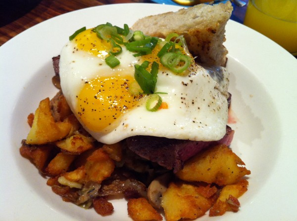Le Chien Fumant Brunch Steak and Eggs