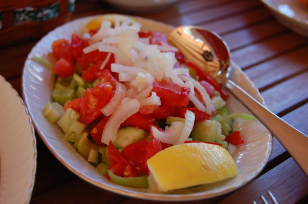 Turkish Salad: Cucumber, Tomato, Onions, Lemon